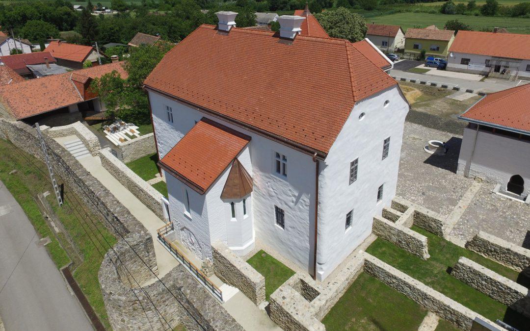 Szászvári Várkastély